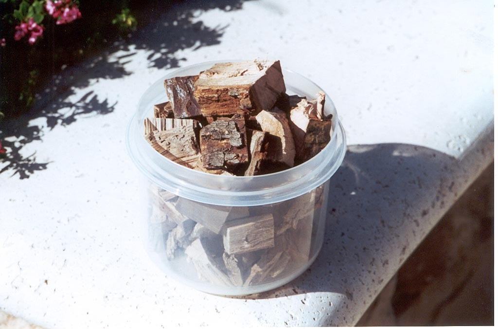 Six cups of dry pecan wood chunks