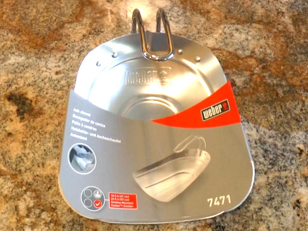 Weber 7471 Ash Shovel in product packaging