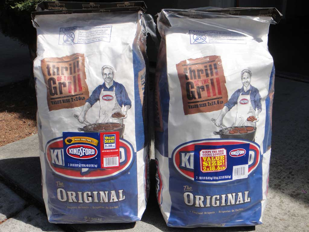 2014 Kingsford Charcoal Briquets (left) and a 2015 bag (right).