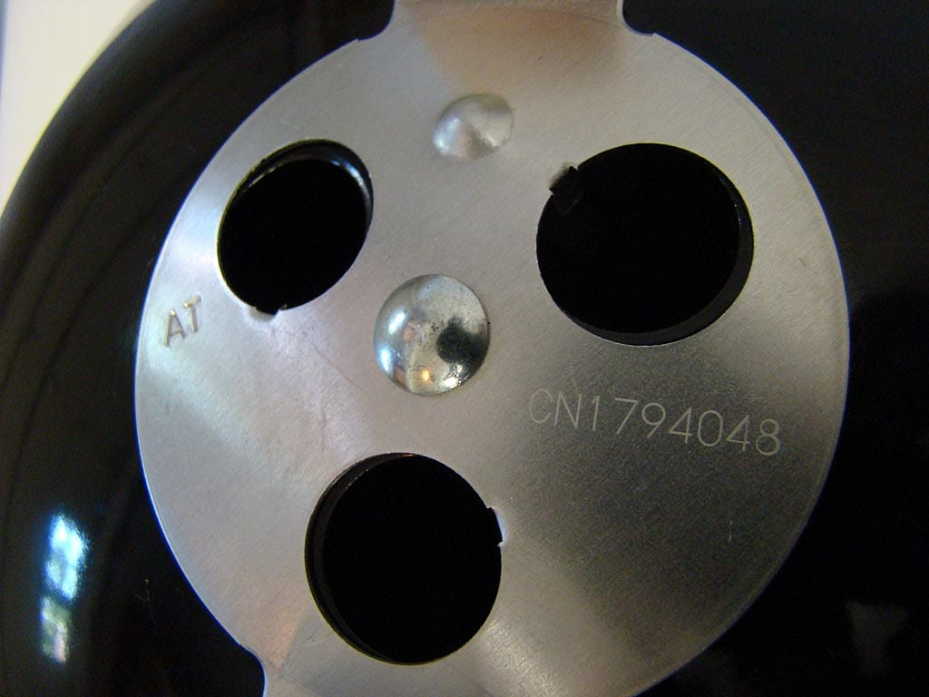 Close-up of vent damper date code and serial number