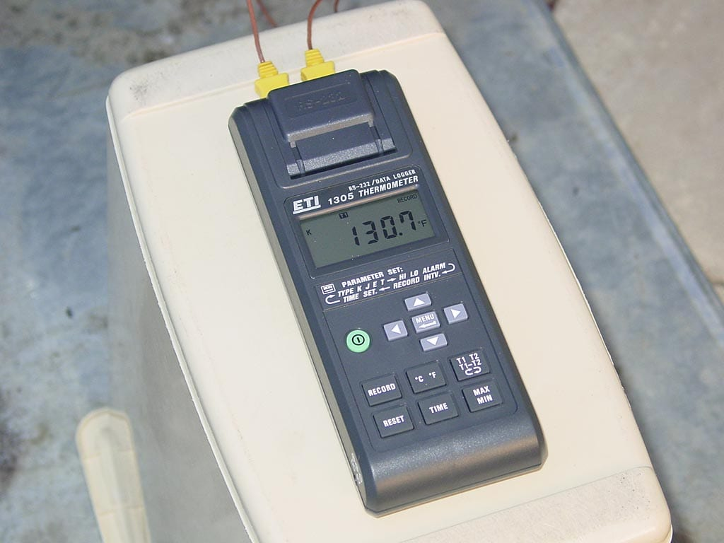 ETI 1305 data logging thermometer