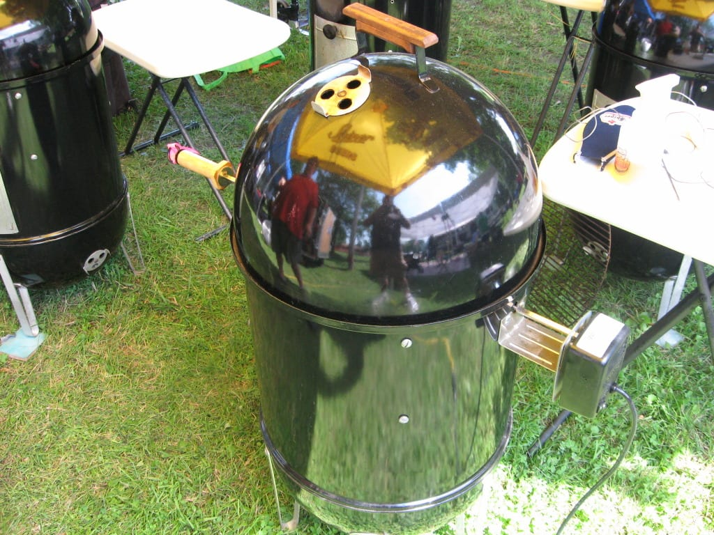 """Lid on 18-1/2"""" WSM with motor and spit handle"""