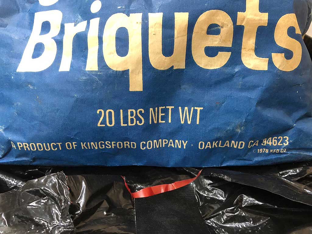 1984 Kingsford Briquets bag weight, address, and copyright
