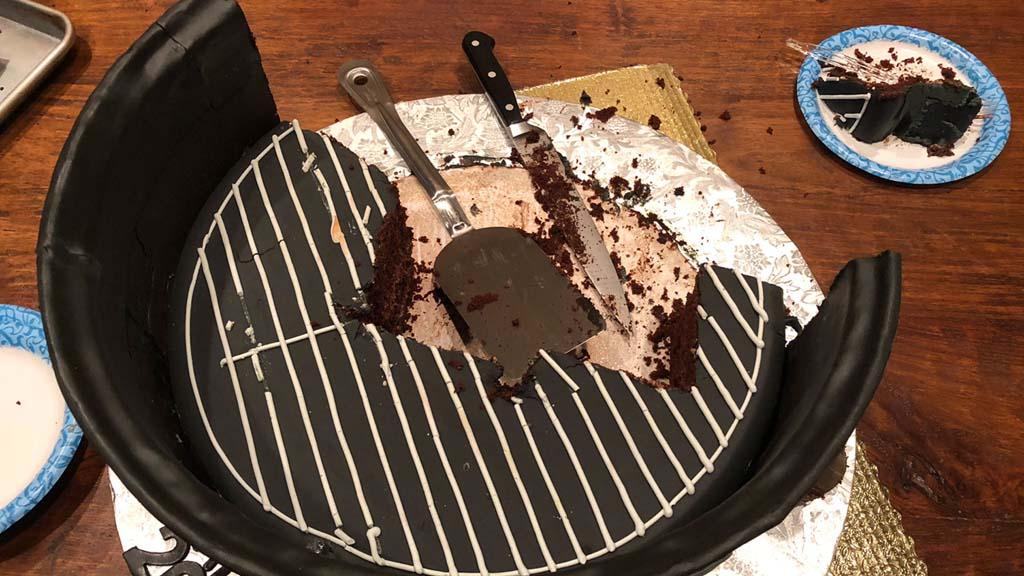 Cutting into the TVWB 20th Anniversary WSM Cake