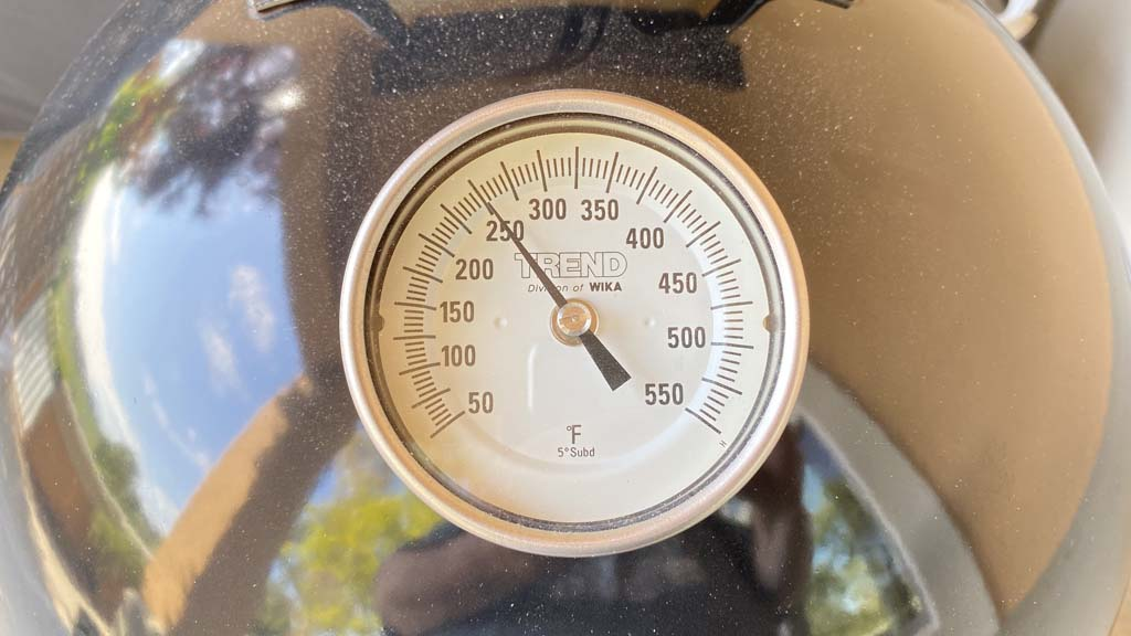 Lid thermometer reading 250F